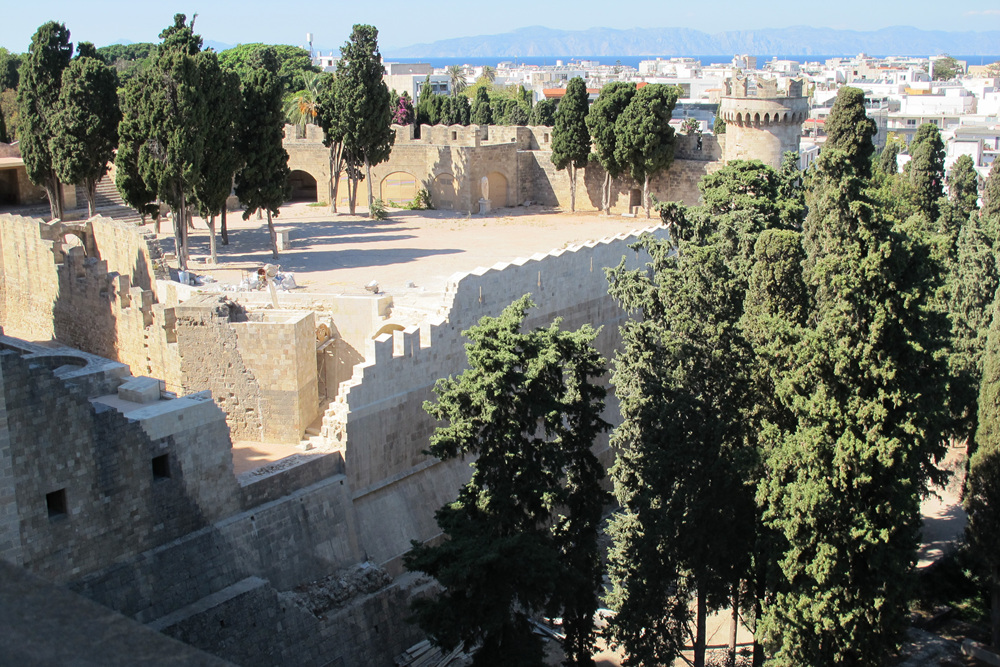 Bastion_of_Grand Master's_Palace_in_Rhodes