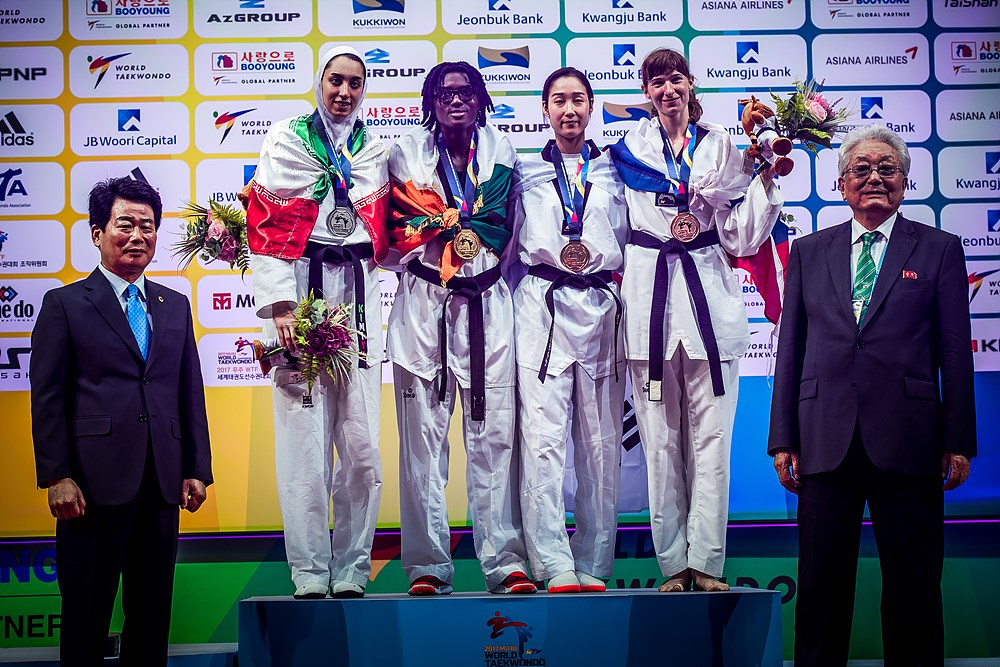 Award Ceremony for W-62kg