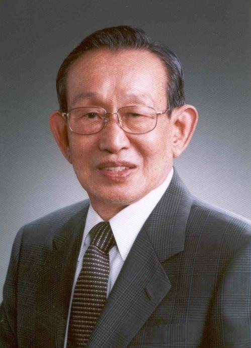 Woon Kyu Um
