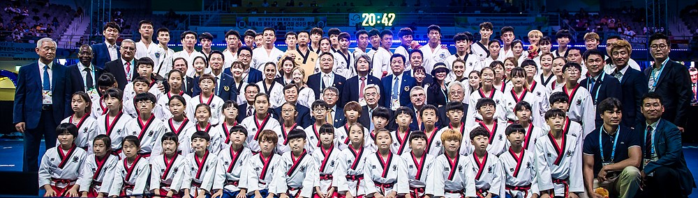World Taekwondo and ITF Demonstration Team poses after the closing ceremony