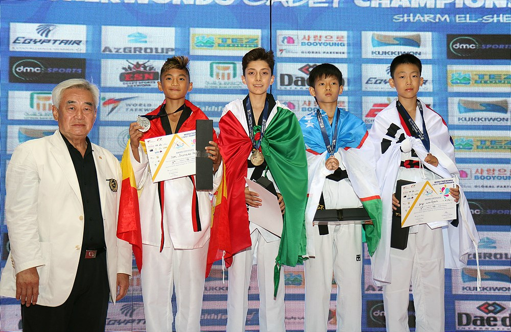 M-33kg Award ceremony