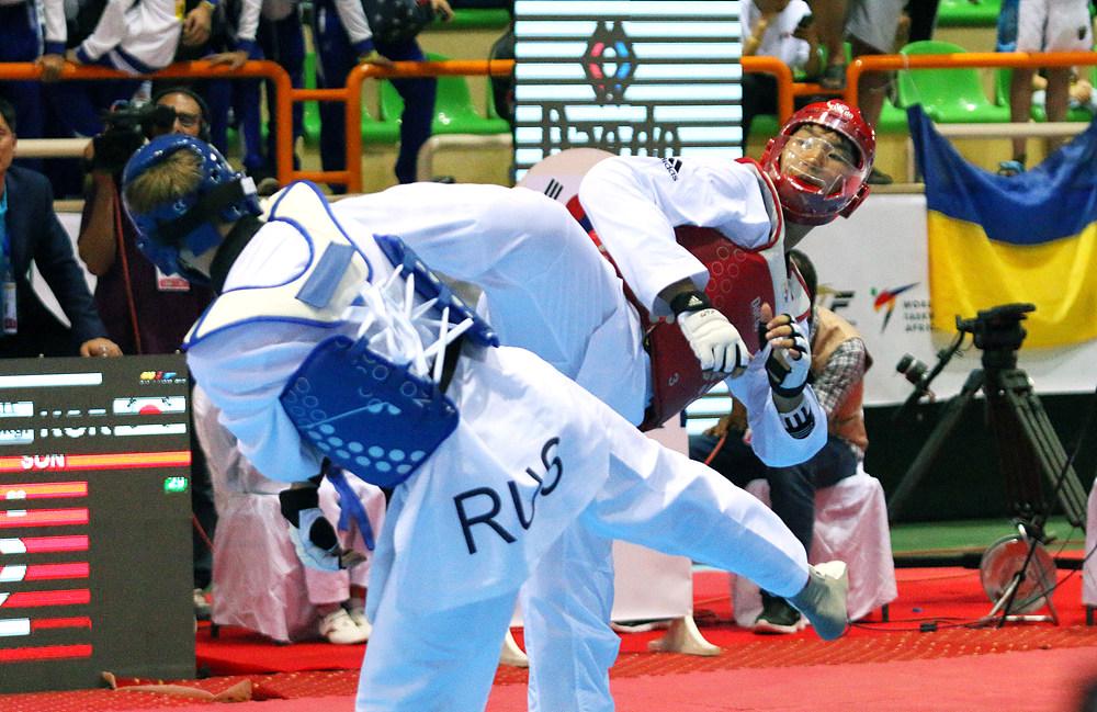 Tae-hwan Son vs. Georgii Borovikov in M+65kg