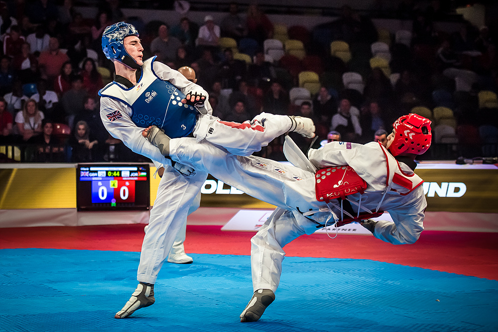 Ahmad Abughaush (JOR) vs. Bradly Sinden (GBR) in the final of M-68kg (4)