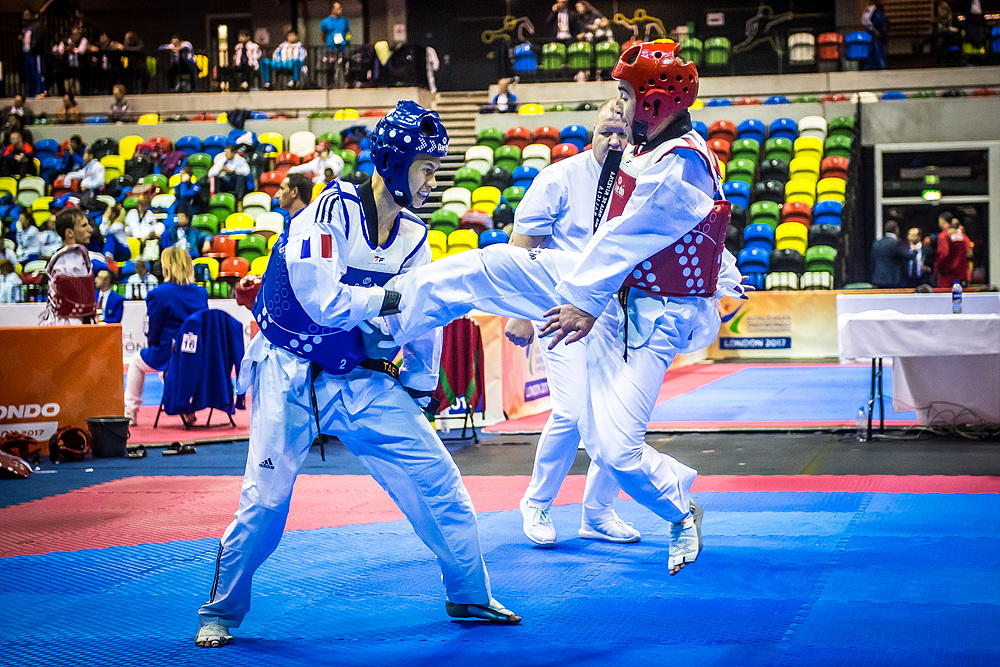 Alejandro Vidal Alvarex (ESP) vs. Bopha Kong (FRA) in the final match of K43 M-61kg (4)