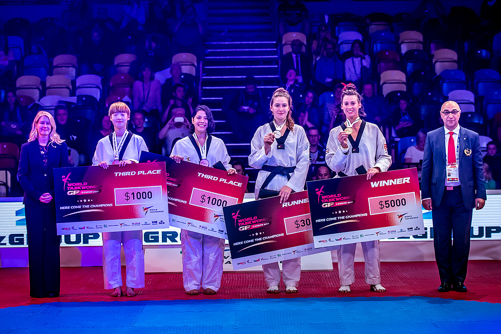 Award ceremony for F+67kg