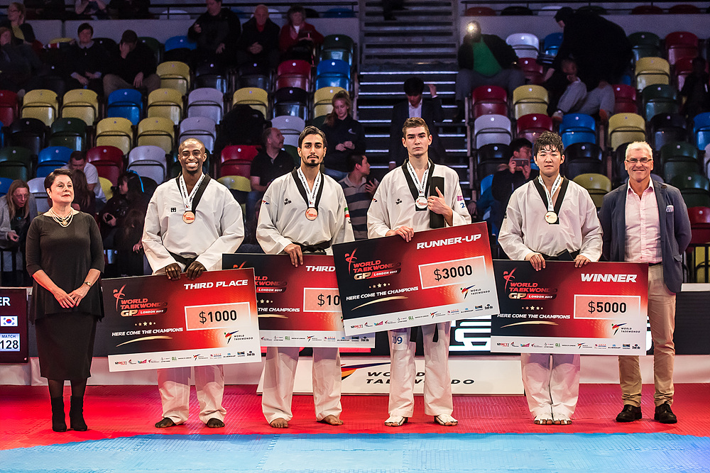 Award ceremony for M+80kg (1)