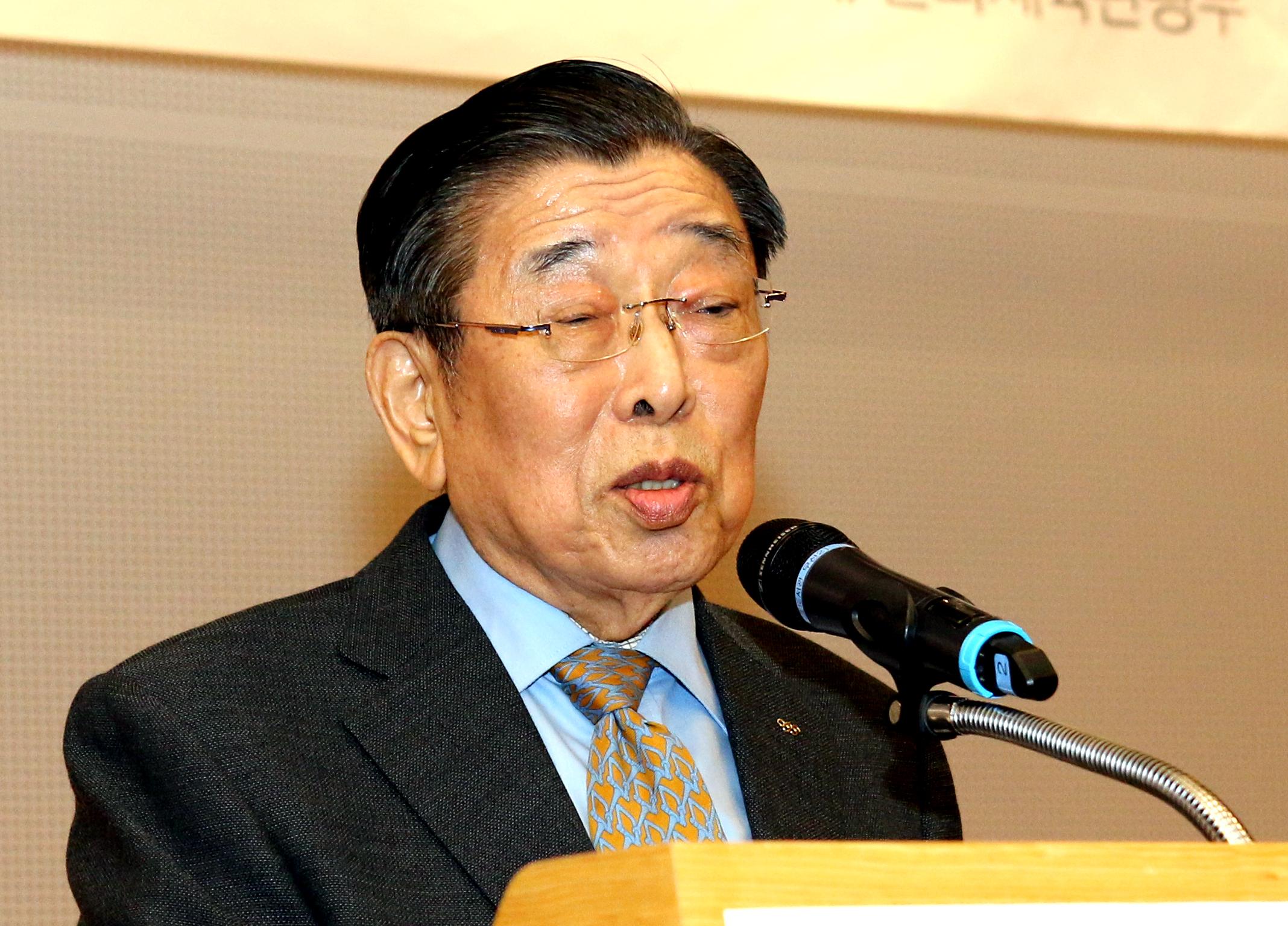 Dr. Un-Yong Kim