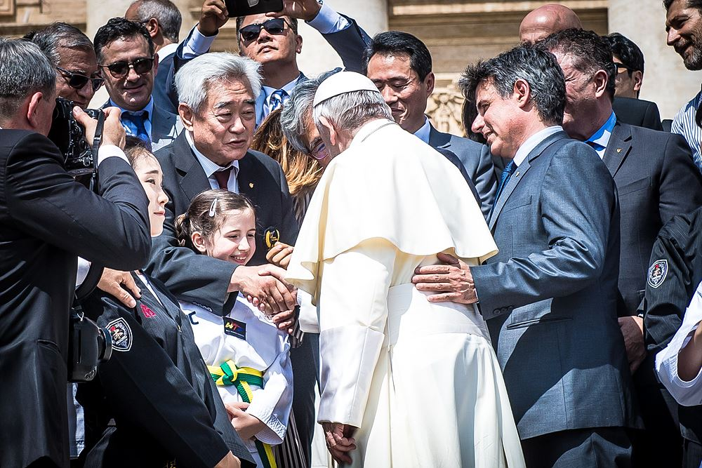Pope Francis greets WT President Choue