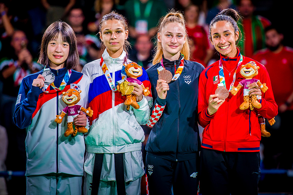 YOG (07.10.2018) Evening-52_Women -44kg medalists