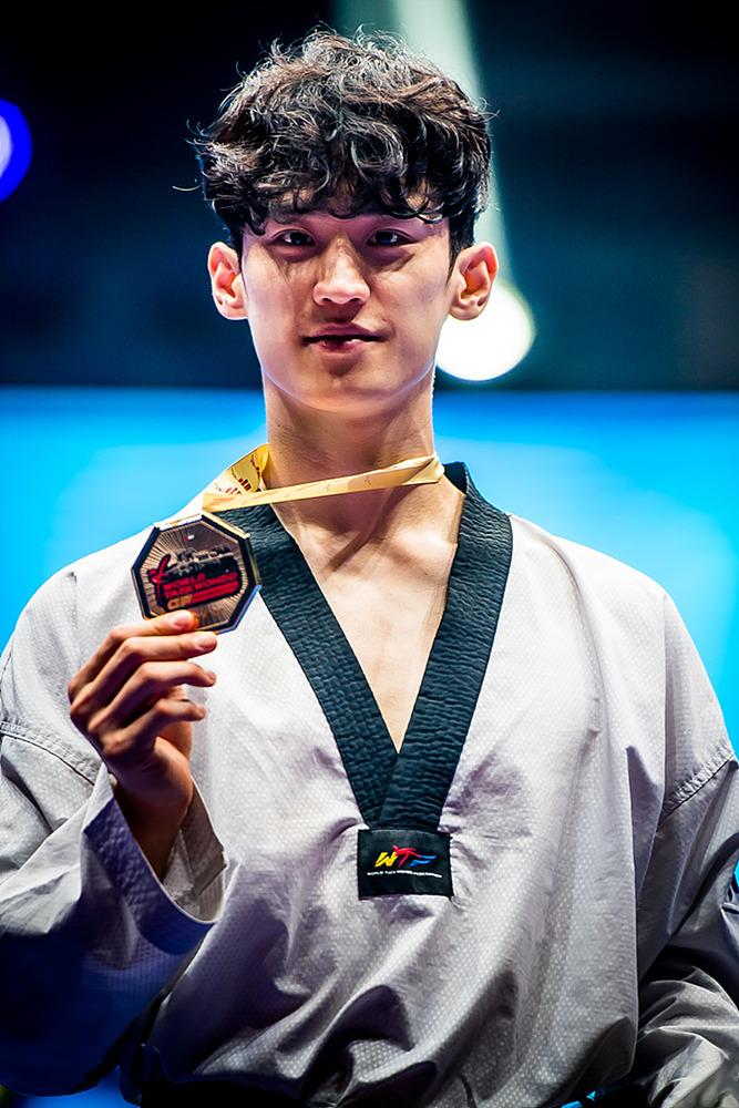 남자 -68KG 급 금메달을 차지한 이대훈
