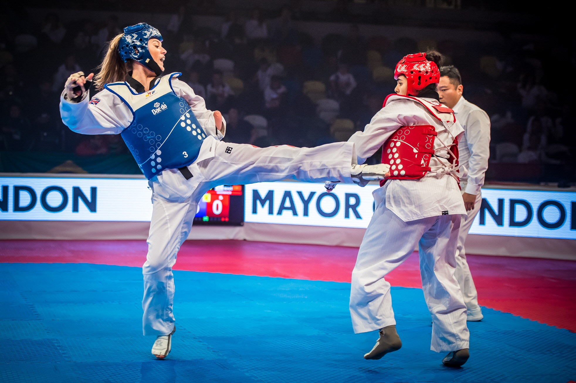 Amy Truesdale (left) competing in the final of Female K44 +58 at World Para Taekwondo Championships London 2017