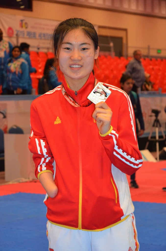 [크기변환]CHN Yujie Li Allianz Athlete of the Month (Gold at Antalya)